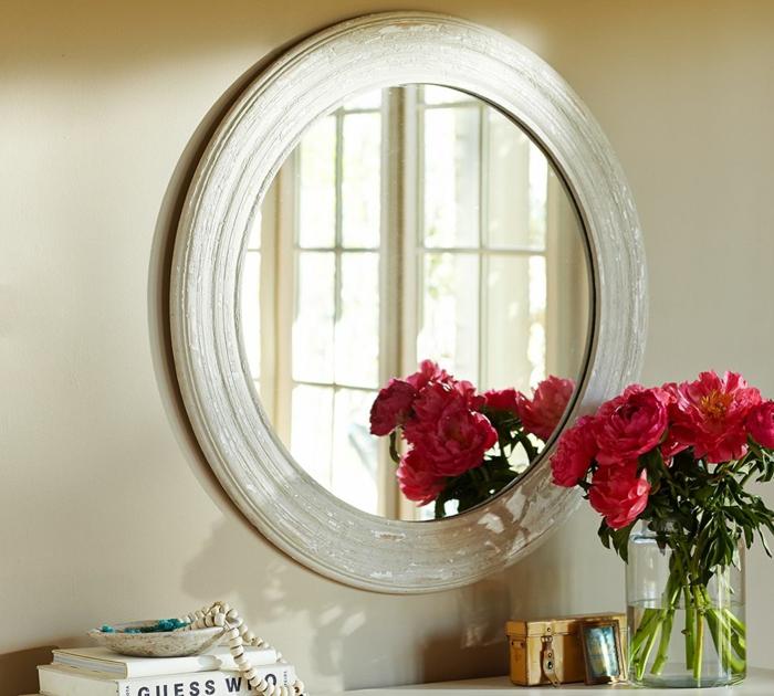 blumendeko ideen vasenblumen wandspiegel wohnaccessoires