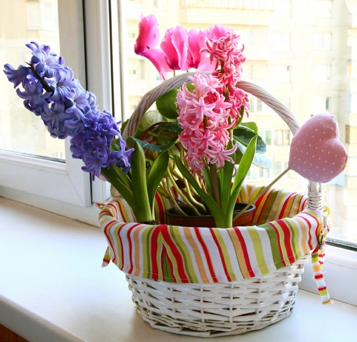 blumendeko schöne dekoideen fürs zuhause fenster dekorieren