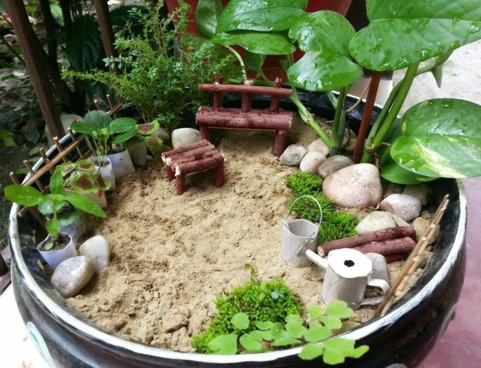 dekoideen diy ideen mini garten holzmöbel pflanzen sand