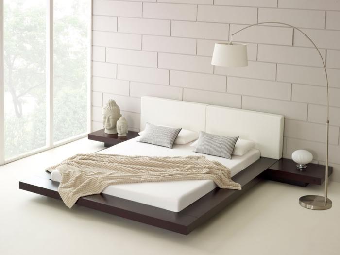 design-betten-doppelbett-geräumig-zen-atmosphäre-bogenlampe