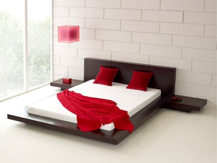 design betten doppelbett minimalistisch rote kissen