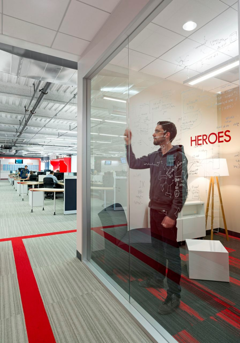 design blitz comcast moderne büroeinrichtung glaswände
