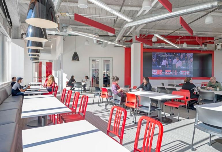 design blitz comcast hochmoderne büroeinrichtung rote stühle
