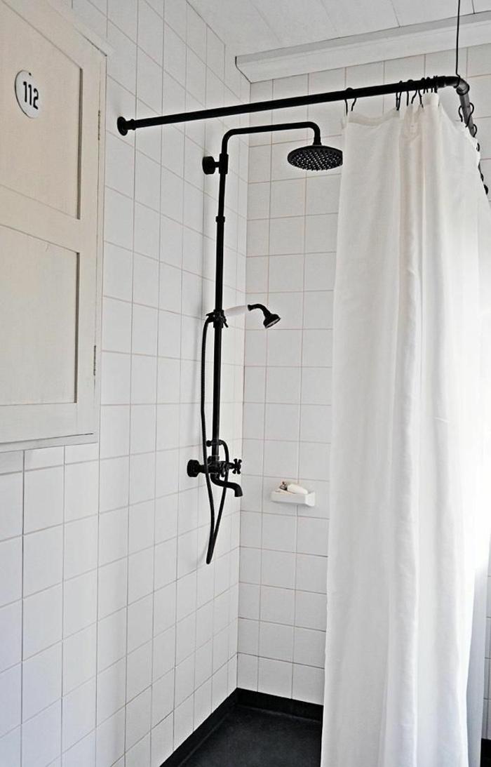 duscharmatu badezimmer gestalten und renovieren retro akzente schwarz