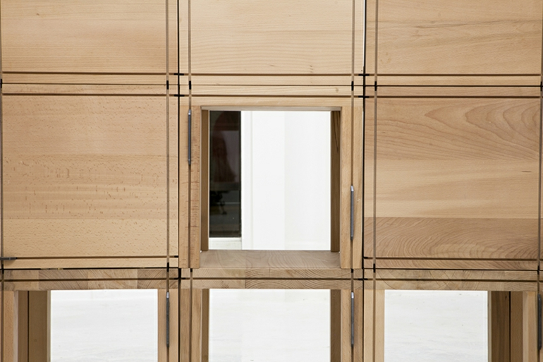 emma kleiderschrank system vom designer elie metni f r starch boutique. Black Bedroom Furniture Sets. Home Design Ideas