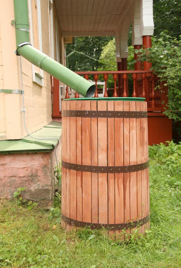 garten umgestalten regenwasser benutzen garten bewässern