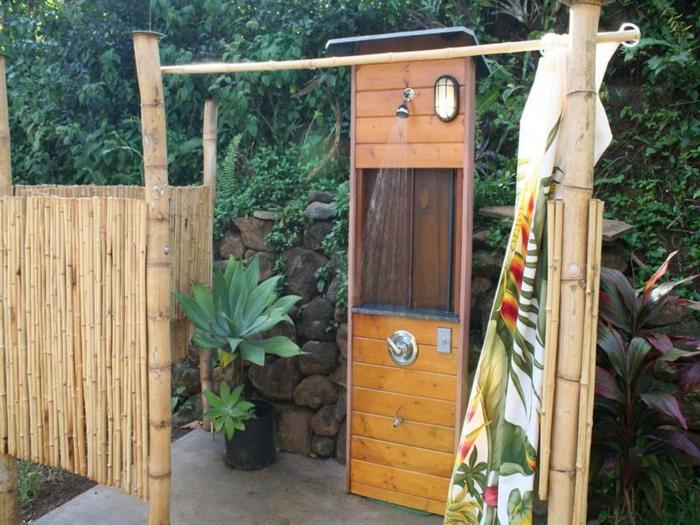 gartenideen mit dusche einen au erordentlichen au enbereich gestalten. Black Bedroom Furniture Sets. Home Design Ideas