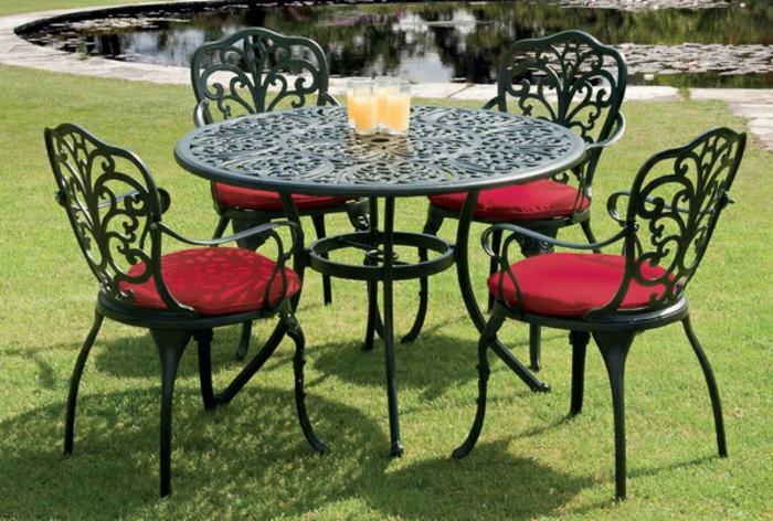 gartenmöbel set alu tisch rund mit stühlen mit auflage rot resized