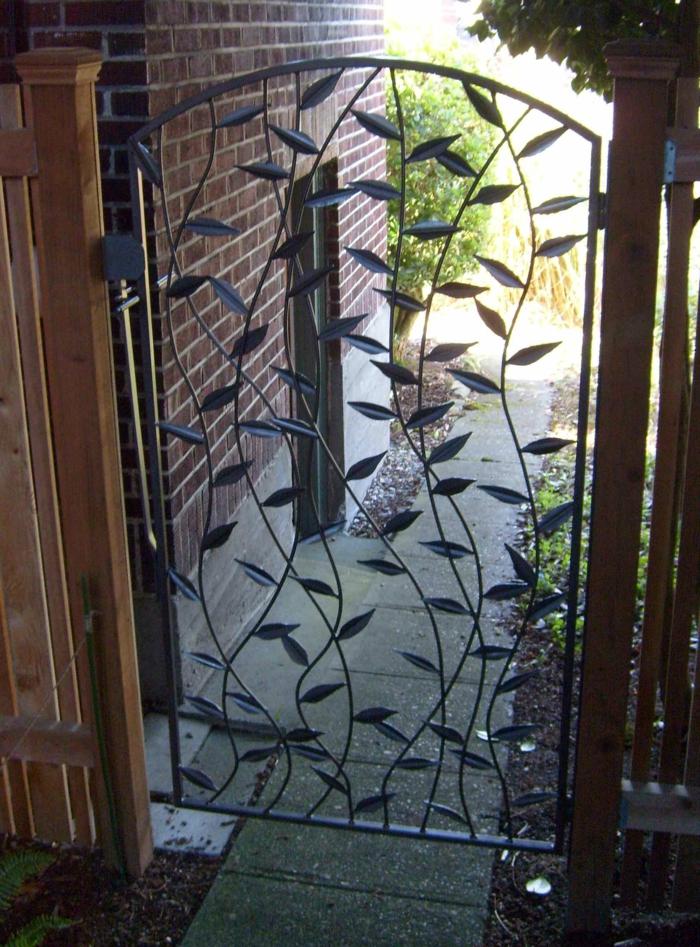 gartentor design metall blätter gartenideen