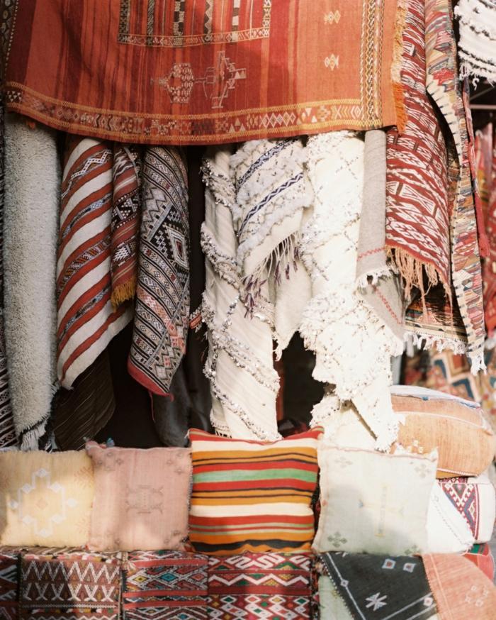 Hauseinrichtung mit Textilien im marokkanischen Stil