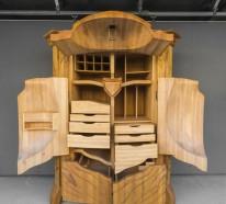 der k fer kleiderschrank holzschnitzerei und cooles design. Black Bedroom Furniture Sets. Home Design Ideas