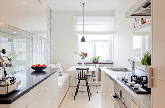 küche mit kochinsel küchengestaltung ideen hell gemütlich