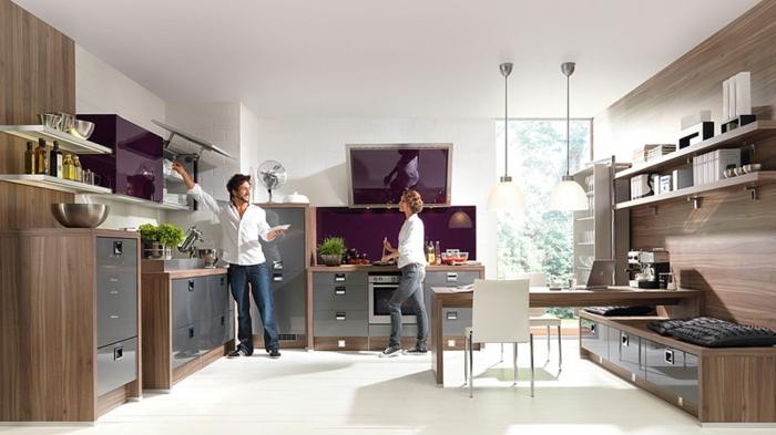 küchendesign nolte küche lila akzente pflanzen pendelleuchten offene regale