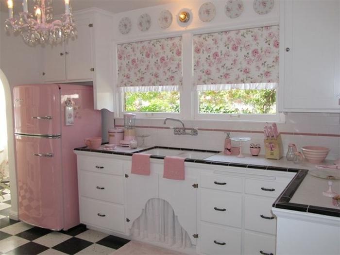 kücheneinrichtung raffrollo blumenmotive shabby chic
