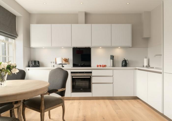 küchengestaltung ideen küche mit kochinsel holzmöbel holzboden