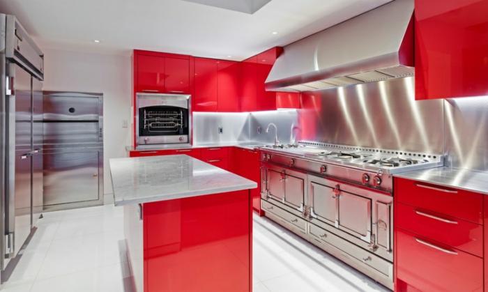 küchengestaltung rote küchen planen trends küchen aktuell
