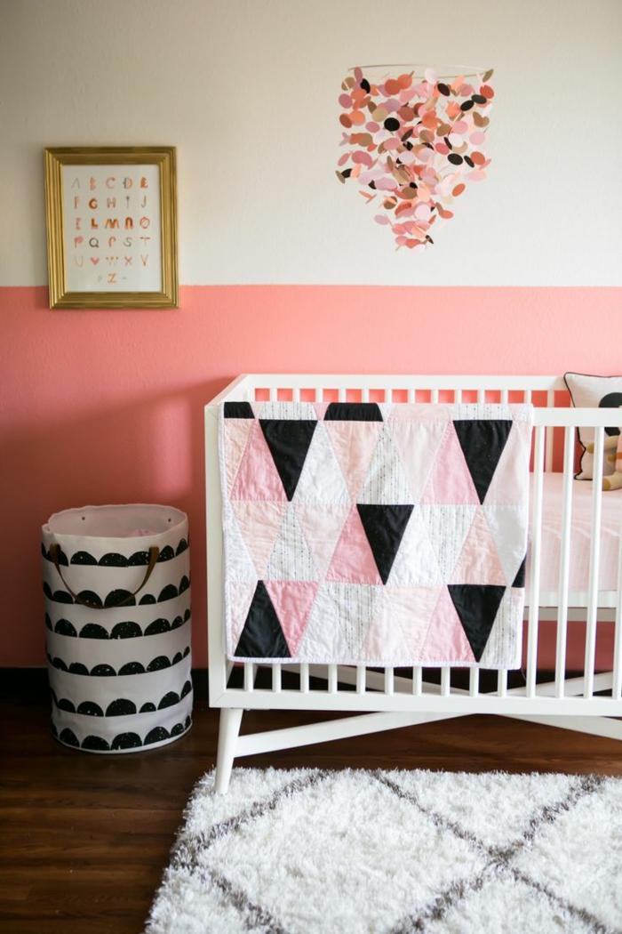 kinderzimmer wandfarbe rosa weiß babyzimmer gestalten babybett