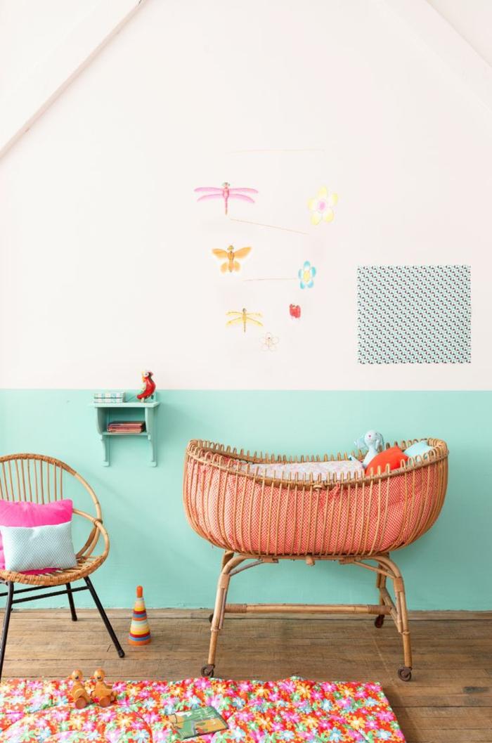 kinderzimmer wandfarbe türkis weiß babyzimmer gestalten babybett