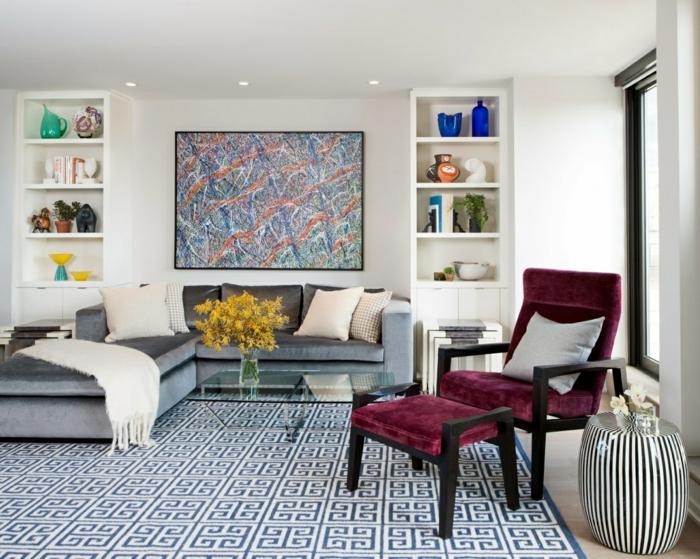 kleines wohnzimmer einrichten ecksofa sessel hocker geometrischer teppich - Wie Kann Man Ein Kleines Wohnzimmer Einrichten