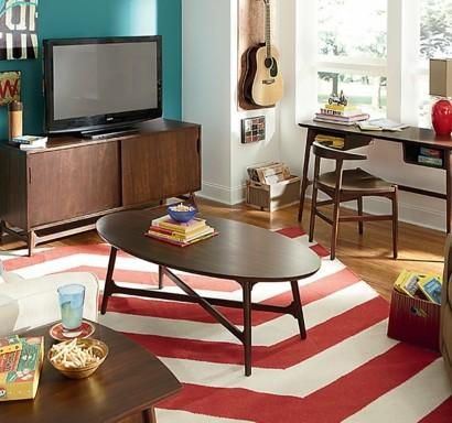 Wunderbar Kleines Wohnzimmer Einrichten U2013 Wie Schafft Man Einen Hervorragenden  Kleinen Wohnraum?