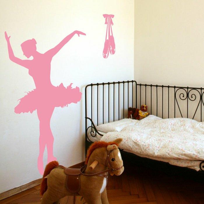 kreative wandgestaltung mädchenzimmer wände dekorieren rosa wandtattoo