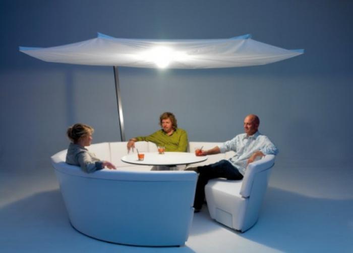 Stilvoller Lounge Sessel Aus Metall Begesitert Mit Shabby Polsterung ...