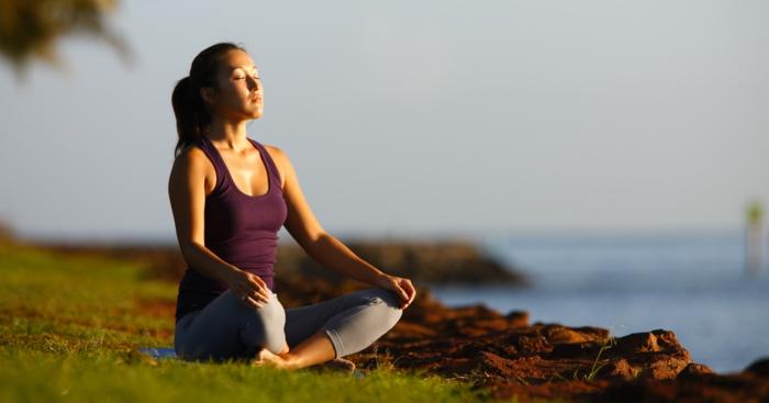 positives denken lernen meditieren tipps gesundheit