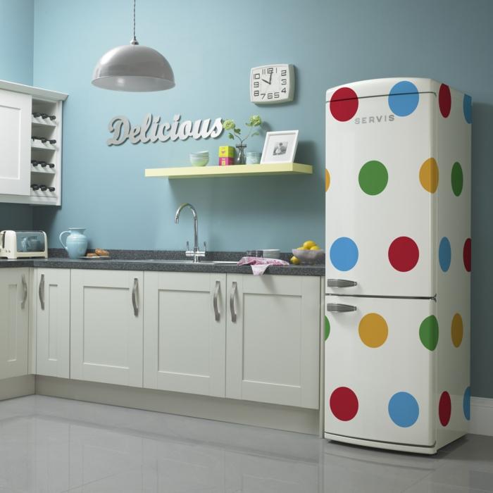 retro kühlschrank weiß bunte punkte küche einrichten