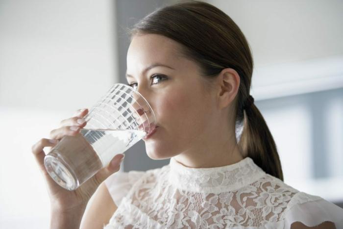 schöne haut gesund wasser trinken