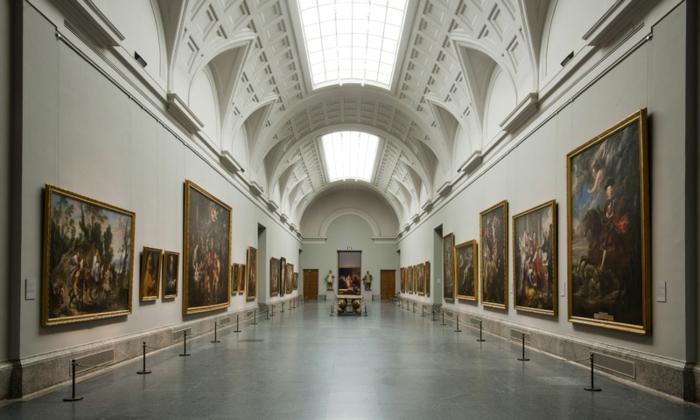 spanien sehenswürdigkeiten museo del prado madrid gemälde flur