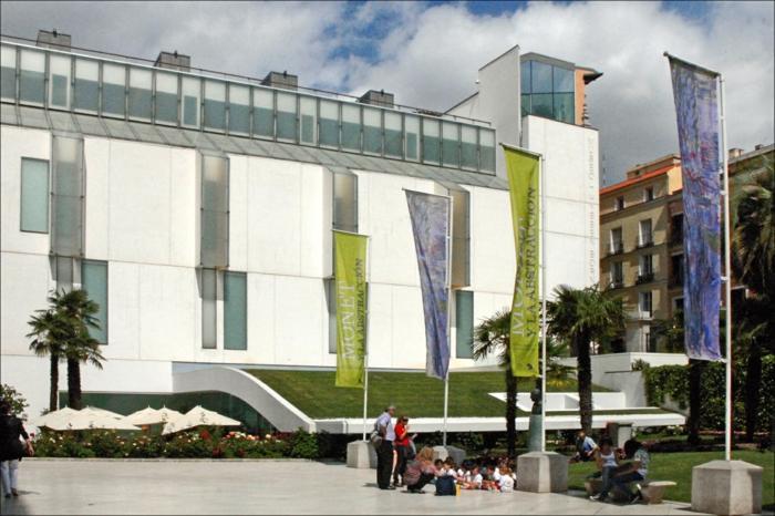 spanien sehenswürdigkeiten museo thyssen bornemisza gebäude