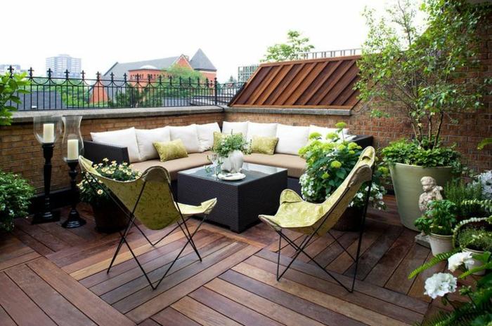 terrasse gestalten ideen außenmöbel coole stühle holzboden
