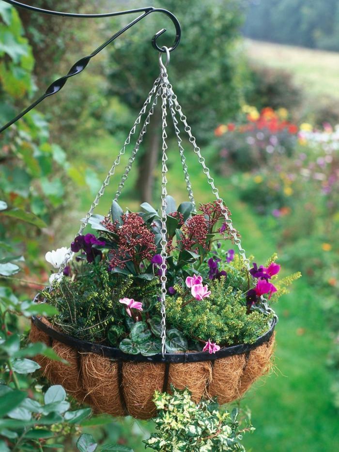 terrasse gestalten ideen hängepflanze  dekoideen