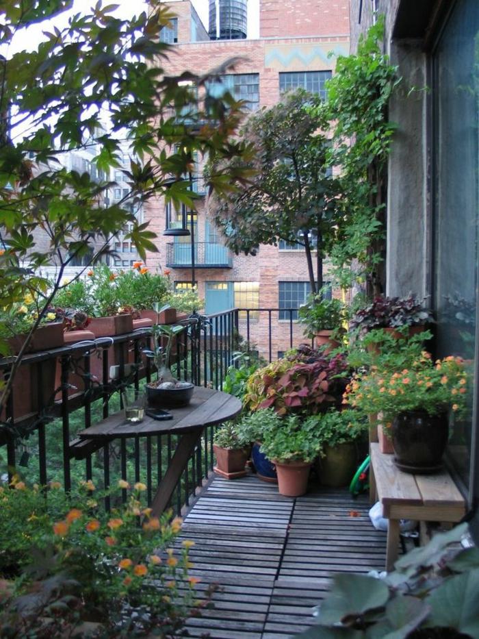 terrassenbepflanzung balkonmöbel und balkonpflanzen grüne ideen