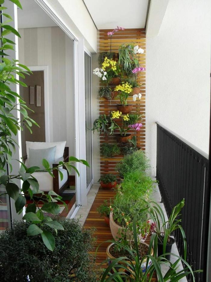 terrassenbepflanzung möbel und balkonpflanzen vertikaler garten