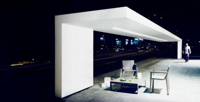 traumhaus bauen außenbereich weißer putz sitzgruppe