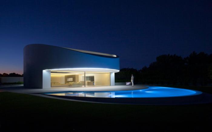 traumhaus bauen ovale formen minimalistische architektur