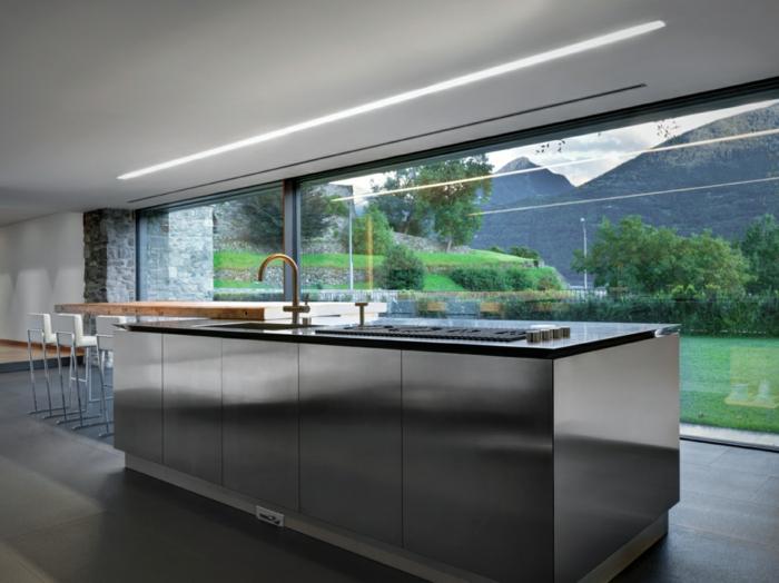 traumhaus minimalistische einrichtung kücheninsel matt silber