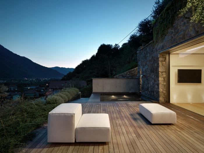 traumhaus terrasse holzdielen gepolsterte sitzmöbel