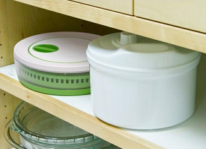 tupperware salatschleuder im küchenschrank aufbewahren salatschleuder tupper