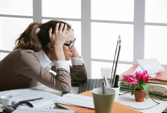 unglück im leben stress am arbeitspaltz lifestyle