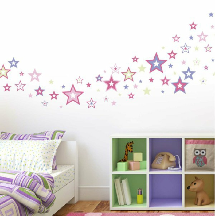 individuelles wandtattoo im kinderzimmer ausw hlen. Black Bedroom Furniture Sets. Home Design Ideas
