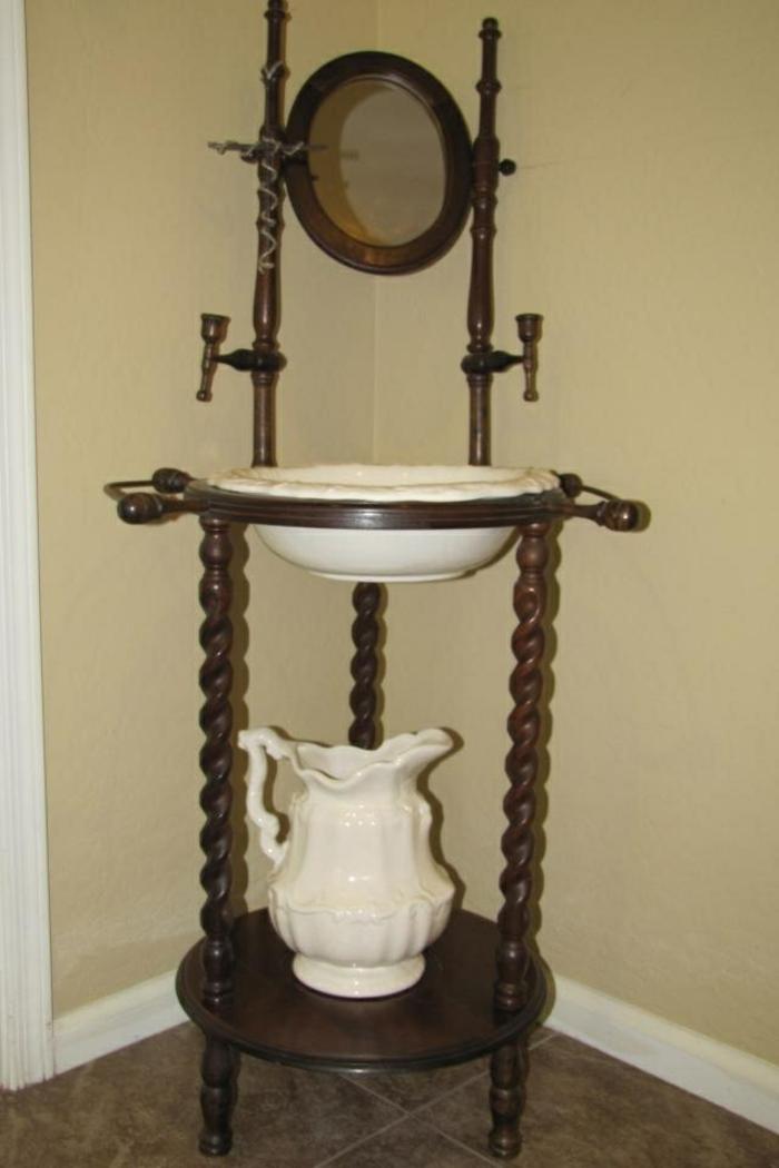 waschtisch holz badezimmer ideen antike möbel