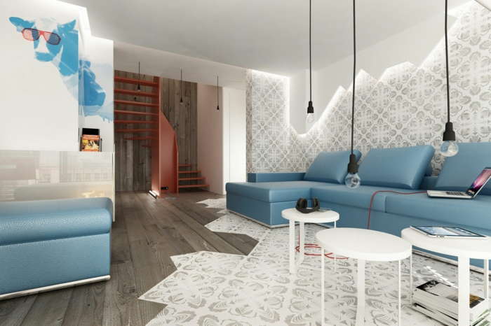 Wohnzimmer Beleuchtung Pendelleuchten Blaues Sofa Holzboden
