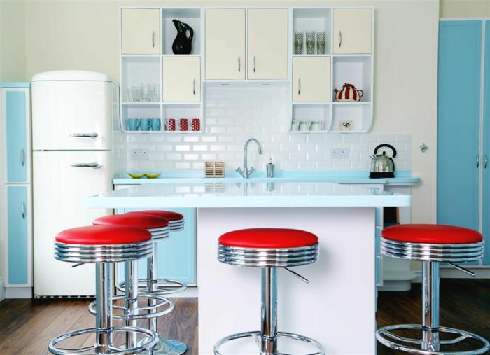 50er50er jahre möbel küche einrichtung blau weiß runde metallene barhocker
