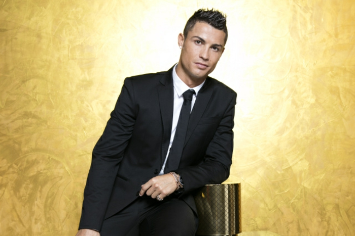 Cristiano Ronaldo debut fragrence party Madrid