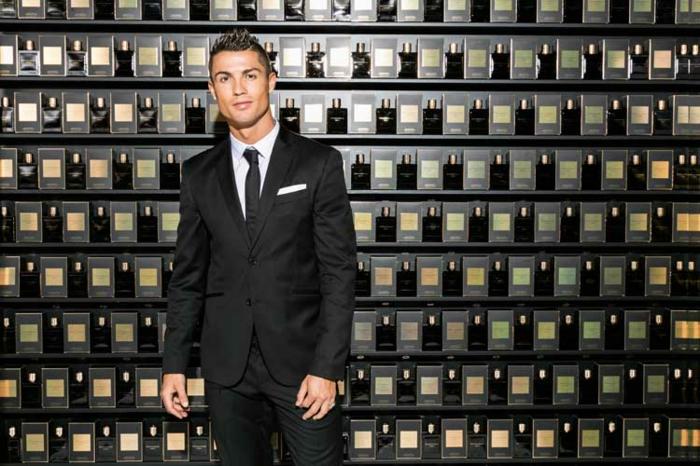 Cristiano Ronaldo präsentiert sein debüt duft legancy
