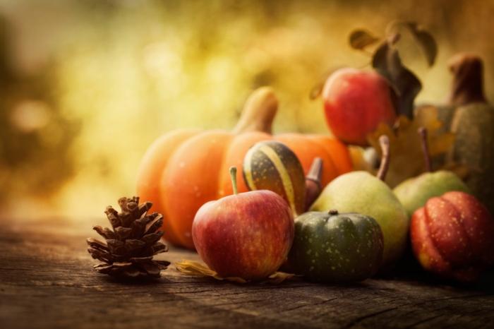 Heidnische Götter und das Erntedankfest aepfeln