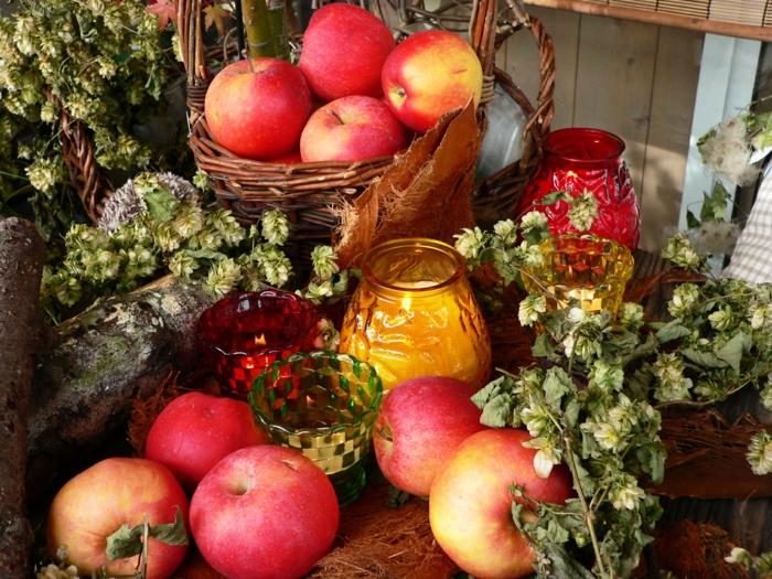 Heidnische Götter und das Erntedankfest hopfen aepfel