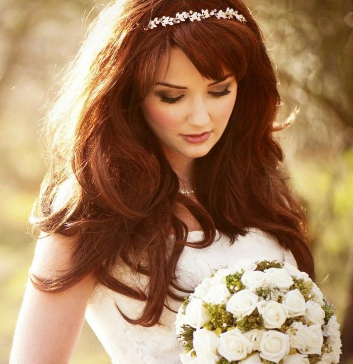 Hochzeitfrisuren feder lang